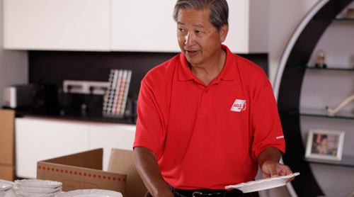 Mover and packer employee from AGS Movers in Shenzhen